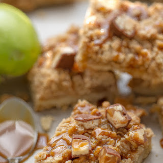 Snickers Caramel Apple Pie Bars