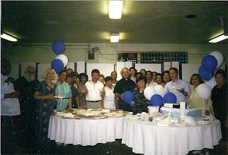 Photo: Rev. Rodrigo Ortega y un Grupo de Parroquianos  Celebrando el Cumpleaños del Rev. Elías Isla