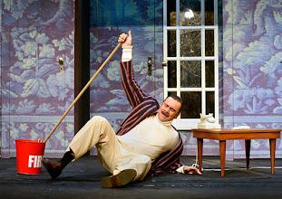 Photo: Wien/ Kammerspiele: DER NACKTE WAHNSINN von Michael Freyn. Inszenierung: Folke Braband. Premiere 14.10.2015. Oliver Huether. Copyright: Barbara Zeininger