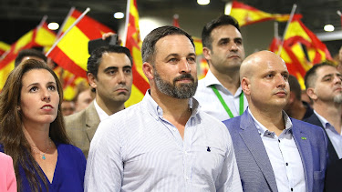 Abascal y líderes provinciales de Vox.