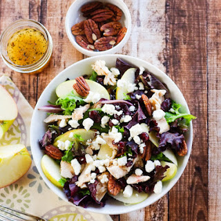 Honeycrisp Apple Pecan Salad with an Apple Cider Vinaigrette