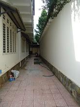 Photo: hành lang vào ga ra xe