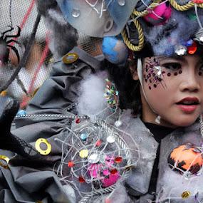 Manusia laba-laba by Supri Yanto - People Fashion