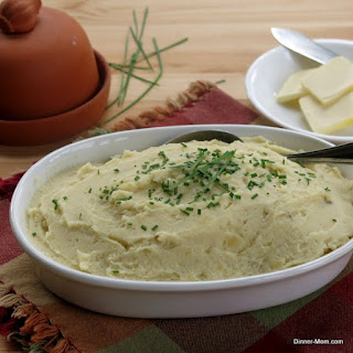 Crock Pot Creamy Mashed Potatoes.