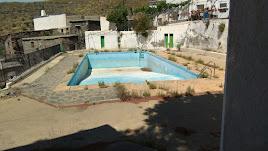 Antigua piscina, donde irá ubicado el aparcamiento.