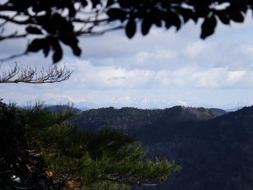 岩の上から南アルプス1