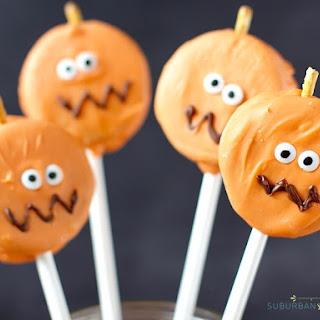 Easy Oreo Pumpkin Pops.