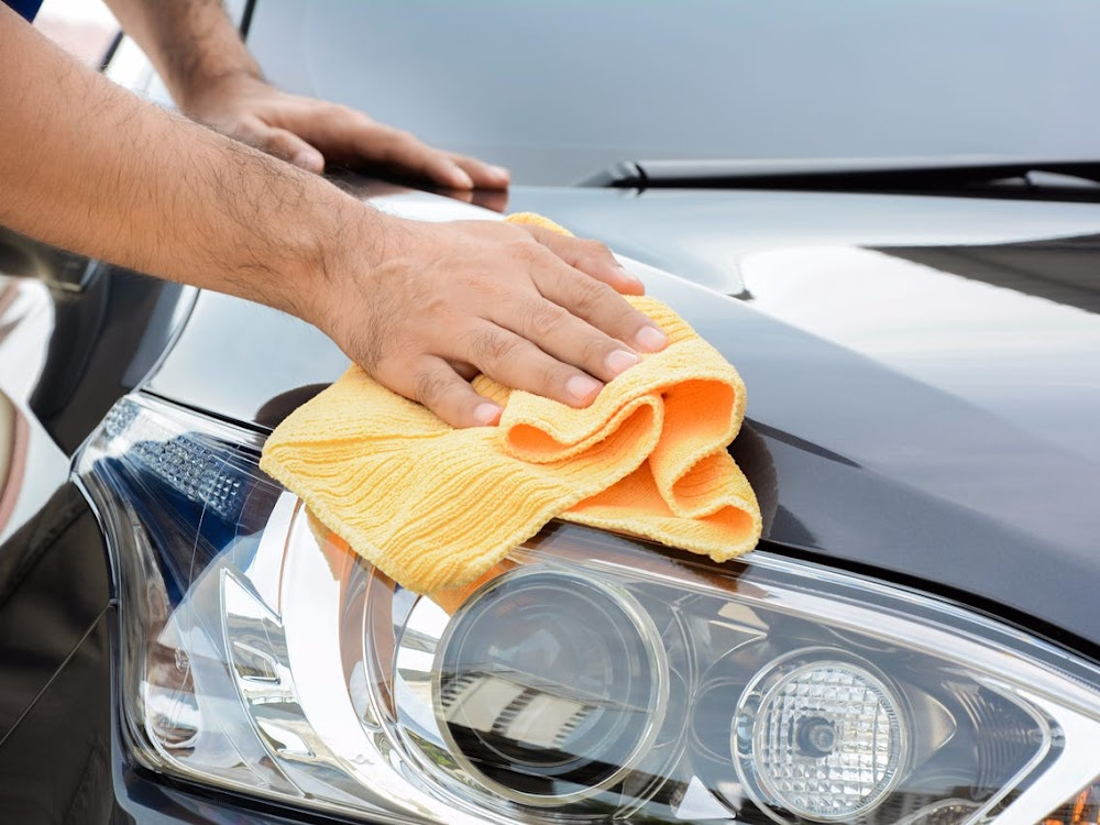 house-chores-hire-help_light_car_cleaning