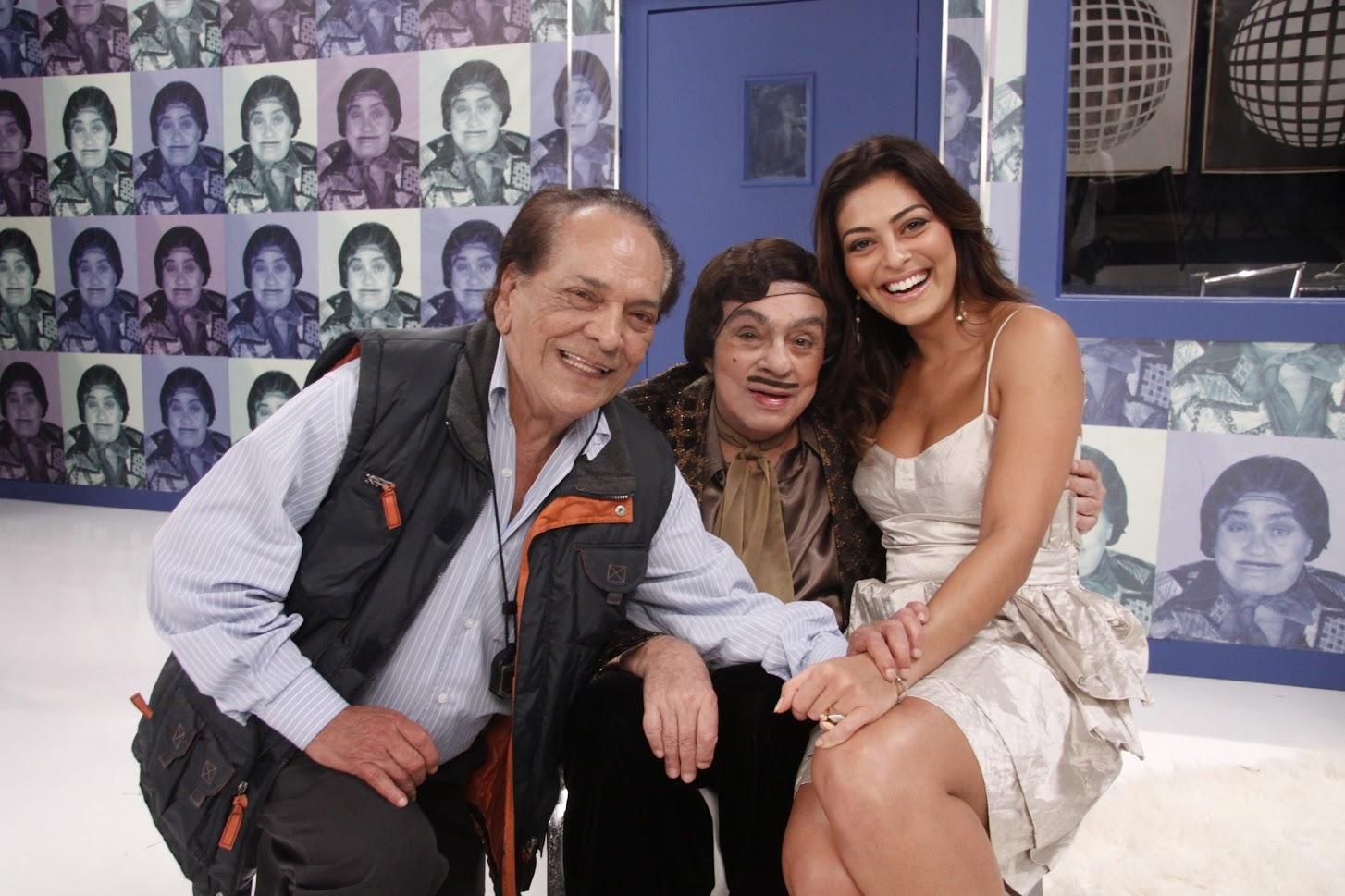 Da Julia (Lucio Mauro), Alberto Roberto (Chico Anysio) e Juliana Paes