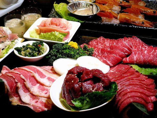 膔柴小鮮燒肉 超適合約會的歡樂系燒肉  從肉肉到海鮮都美味!!怎麼可以這麼好吃啦!!
