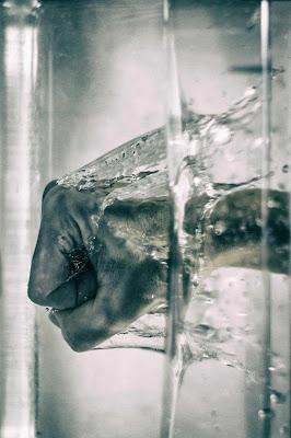 """""""L'ira: un acido che può provocare più danni al recipiente che lo contiene che a qualsiasi cosa su cui venga versato.""""  [SENECA] di Jiggly"""