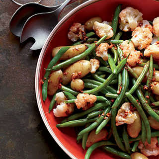 Garlicky Potatoes, Green Beans and Cauliflower.