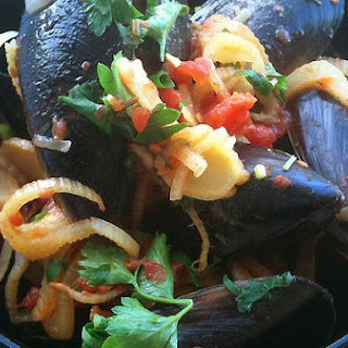 Mussels With Tomatoes and Fennel.
