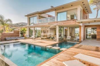 Villa 4 pièces 146 m2