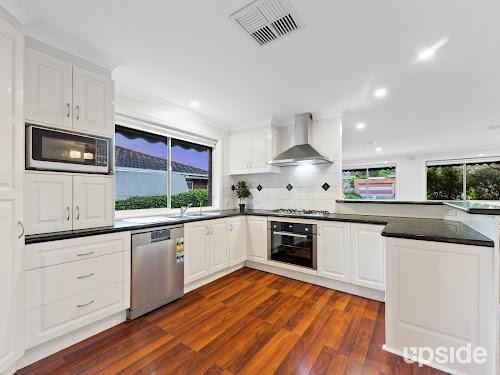 Photo of property at 28 Gleeson Drive, Bundoora 3083