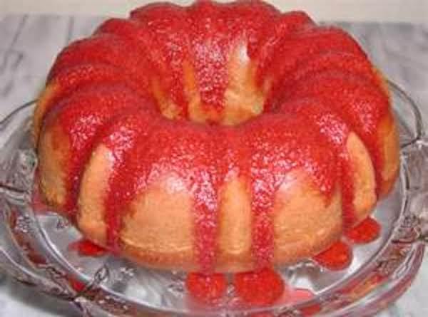 Strawberry Nut Poud Cake