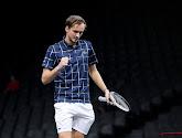 Medvedev knokt zich voorbij Nadal naar de finale