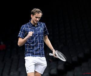 Daniil Medvedev haalt het in eerste groepswedstrijd op ATP Finals van Alexander Zverev