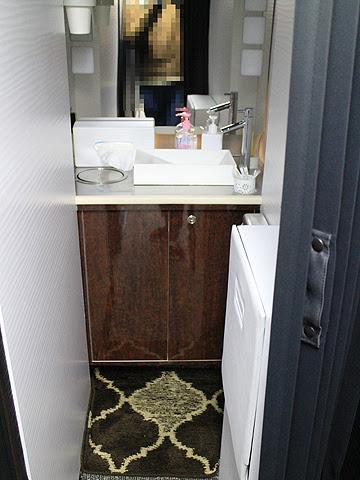 関東バス「ドリームスリーパー東京大阪号」 ・・・1 パウダールーム