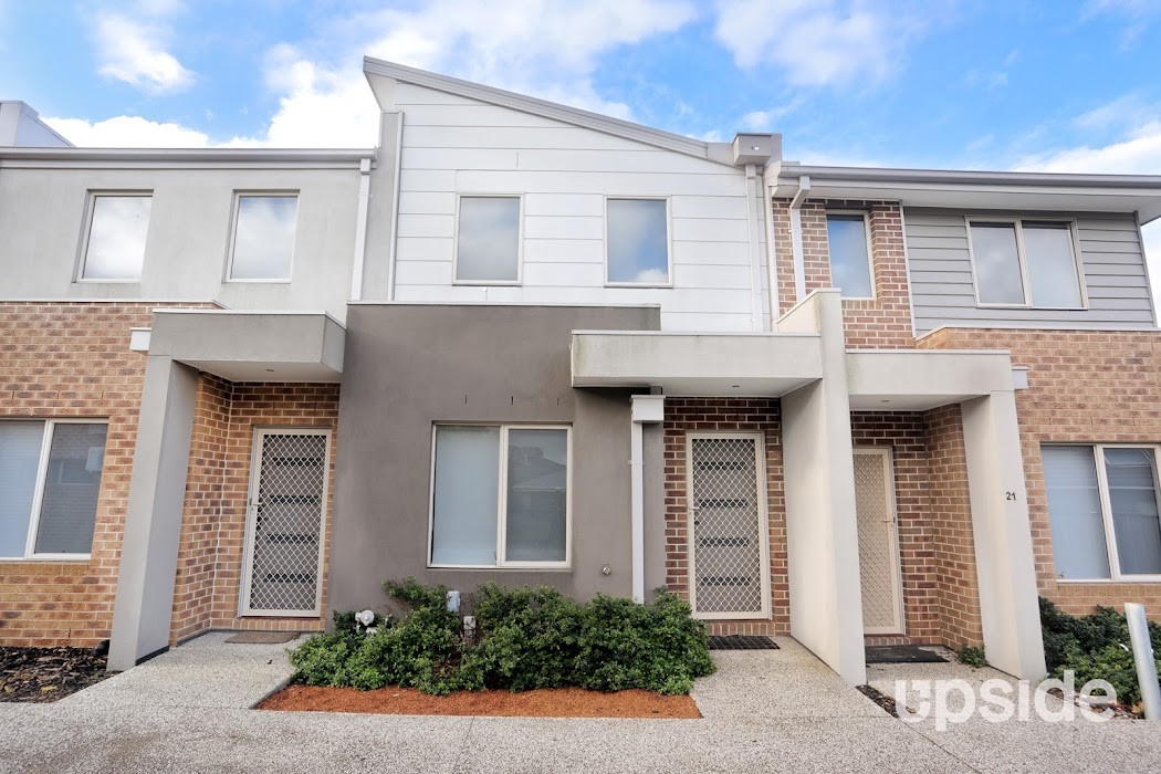 Main photo of property at 22/1 Hyde Park Avenue, Craigieburn 3064