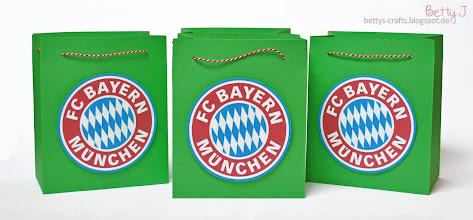 Photo: http://bettys-crafts.blogspot.de/2014/04/bayern-munchen-geschenktute-fur.html