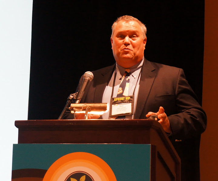 Photo: Don Ladoff (United States Potato Board) on potatoes in retail