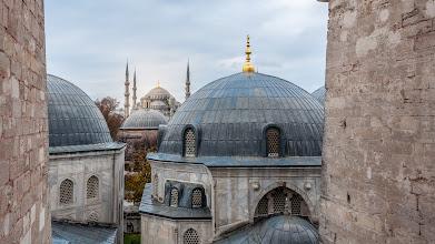 Photo: Blick über die Kuppeln der Ayasofya zur Sultan-Ahmed-Camii