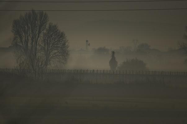 Nebbia oltre lo steccato di Croatti Carlo