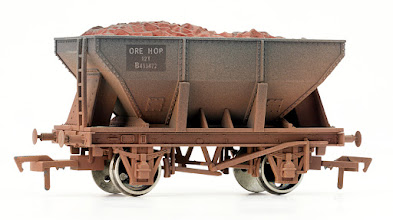 Photo: 4F-033-002 24T Ore Hopper