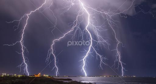 Lightning Strikes Mandurah Weather Landscapes Pixoto