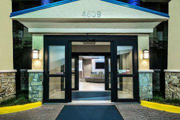 Holiday Inn Express and Suites Fort Wirth Southwest