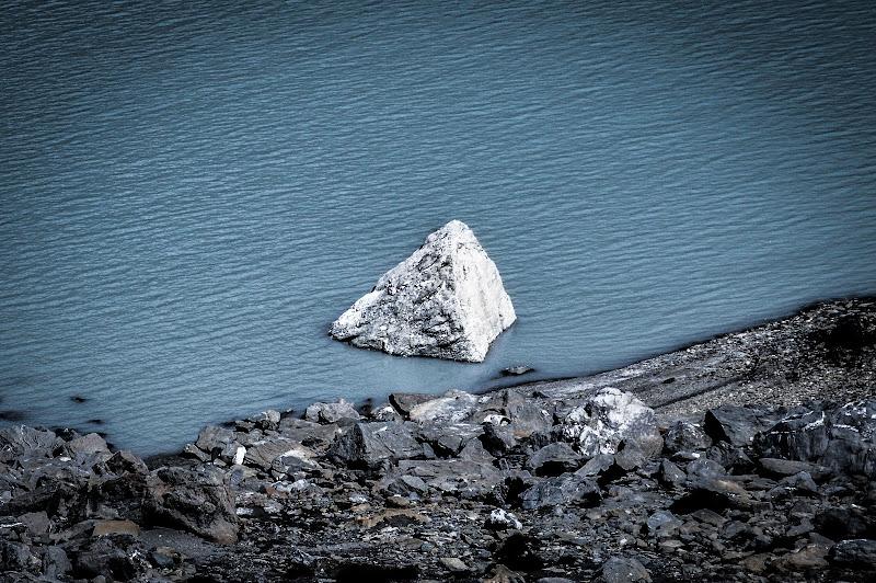 Piramide nel lago di silvia_celio