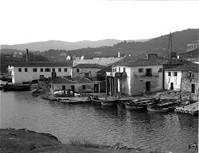 Photo: Ribeira dos Peiraos. A Casa das Columnas (sanatorio dos Gafos)