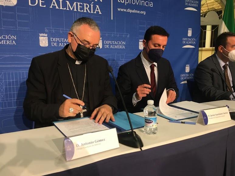 Firma del convenio entre la Diputación y la Diócesis para la restauración y rehabilitación de templos y parroquias.
