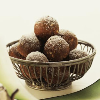 Low-Carb Chocolate Rum Balls