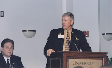 Photo: 2002 Hall of Fame Banquet - Les Mien