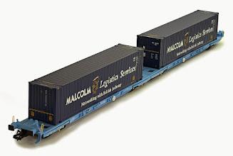 Photo: B909E  Megafret & Containers