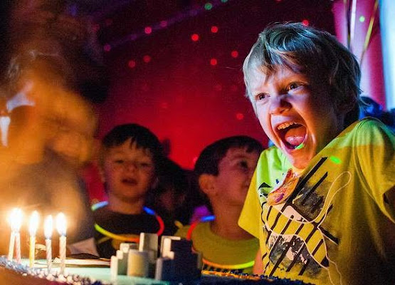 Kids Parties Entertainment In Hertfordshire | Platinum Disco