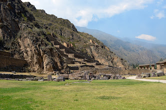 Photo: Ollantaytambo from the bottom
