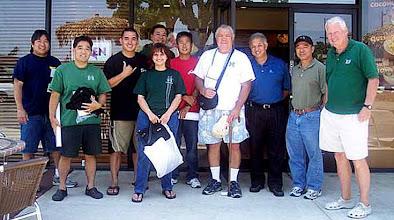Photo: (?), Garret, Pauoa Boy, hawnstln, Ronnie, (?), Uku@la, Mike, BNS, Dennis Halloran. Ono Ono Hawaiian BBQ - Tustin, CA 7/16/2008