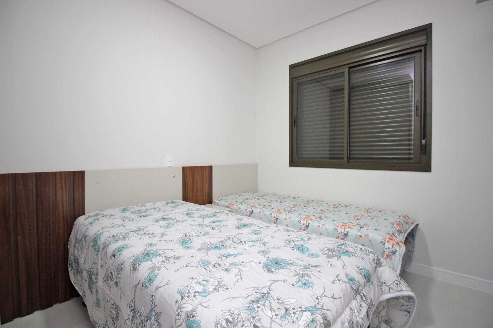 Apartamento com 2 Dormitórios à venda, 70 m² por R$ 750.000,00