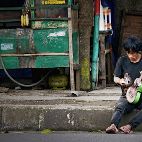 Street Musician by Norbertus Andreanto Photos - News & Events World Events ( street )