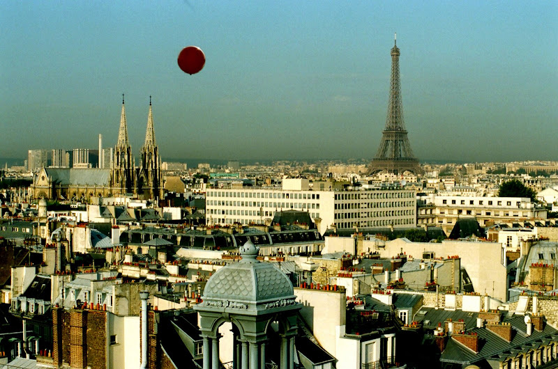 Flight of the Red Balloon (Le Voyage du Ballon Rouge)