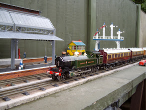 Photo: GWR 262 with NC Coaches