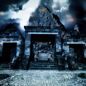 Queen Boko Temple Yogyakarta by Ferry Febriyanto - Buildings & Architecture Statues & Monuments