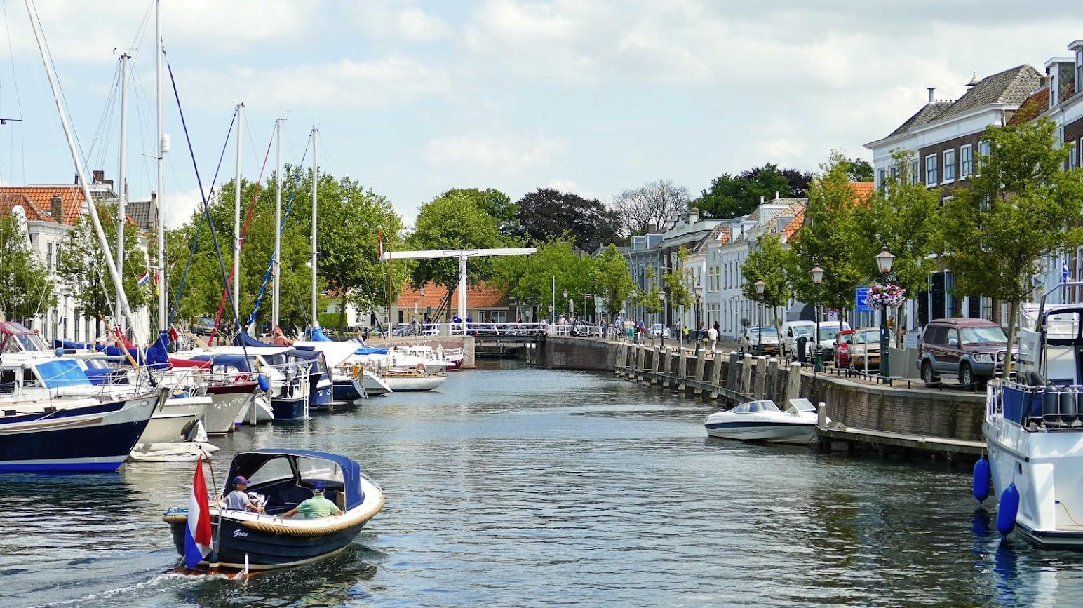 Aangeboden door: Stichting Microtoerisme InZicht Fotoblog Stadshaven Maartensbrug