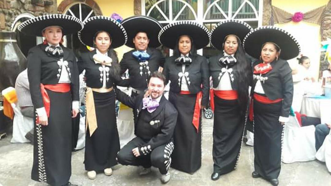 Renta de trajes de charro Lui - Tienda De Ropa en Tultepec
