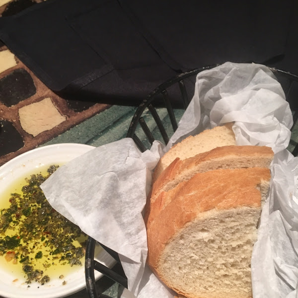 Bread & olive oil (not GF)