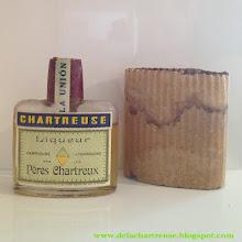 """Photo: Une flask de Chartreuse Verte de Tarragone, conditionnement appelé """"petacca"""" là-bas ! (Merci à Gabriel)"""
