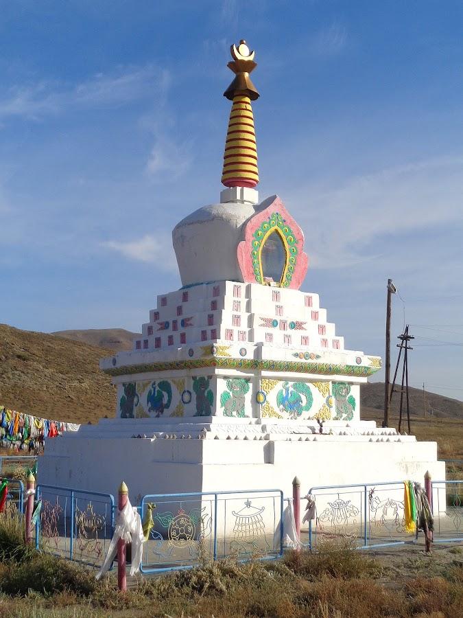 сказочный буддийская ступа ак довурак фото дизайн